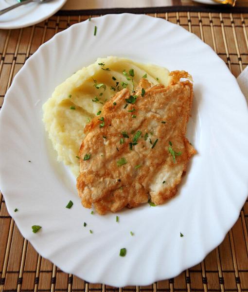 Бризоль из курицы с картофельным пюре