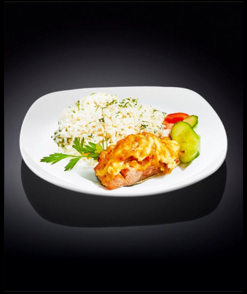 Филе минтая запеченное с помидором и рисом
